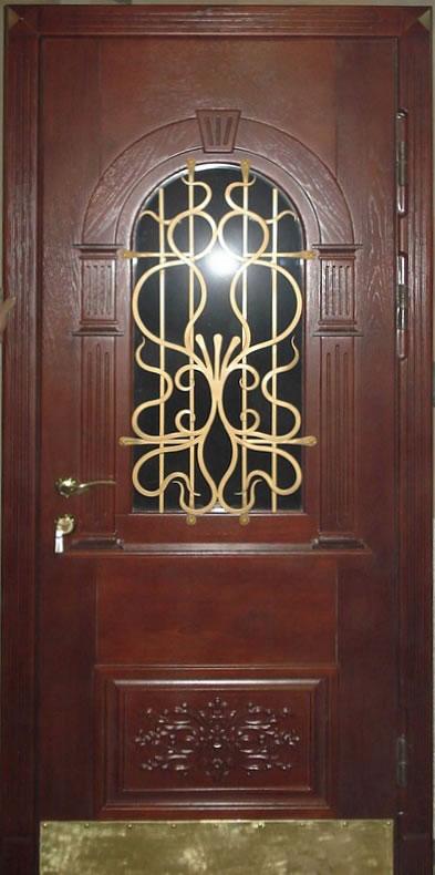 стальная дверь с тонированным стеклом и решеткой